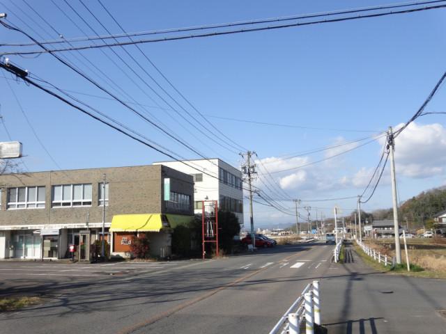 ①.桜ヶ丘から田白の交差点方向へ