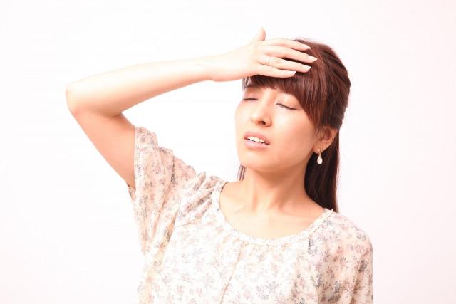 筋緊張型頭痛が辛い女性